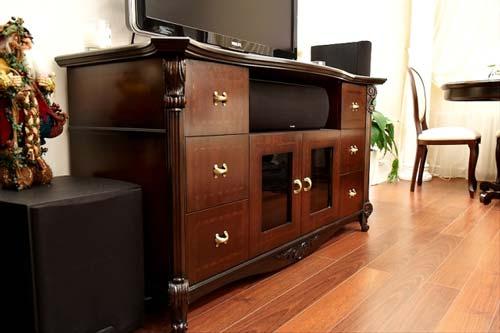 Мебель из дерева приносит в интерьер особое очарование