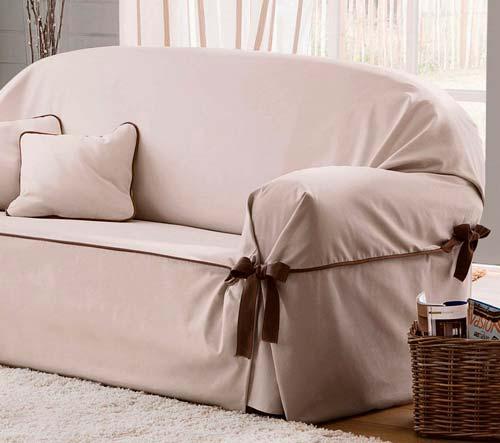 Не обязательно приобретать новый диван, чтобы изменить обстановку