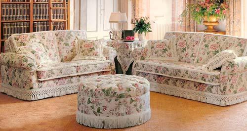 Чехол поможет обновить диван без больших затрат