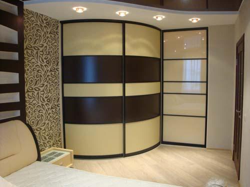 Важно подобрать двери для шкафов так, чтобы они сочетались с интерьером