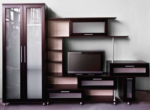 Чем больше открытых полок, тем дешевле корпусная мебель