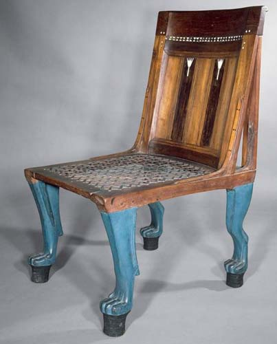 Именно египтяне создали стул со спинкой
