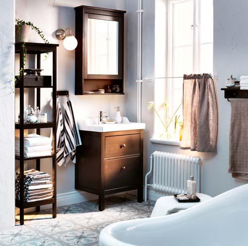 Мебель для ванной обрабатывается специальными средствами для защиты от влаги