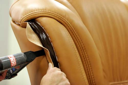 Как самостоятельно обить мебель?