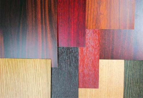 Способ окраски шпона позволяет получить интересные варианты цвета