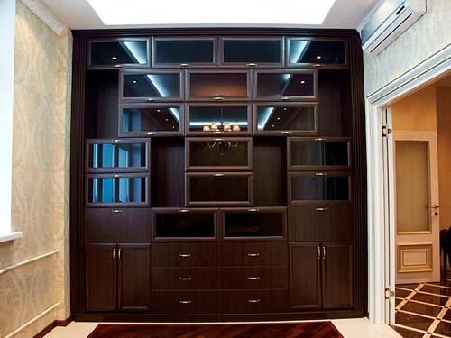 Из модулей можно собрать один большой шкаф
