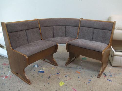 Восстановить внешний вид мебели можно с помощью перетяжки