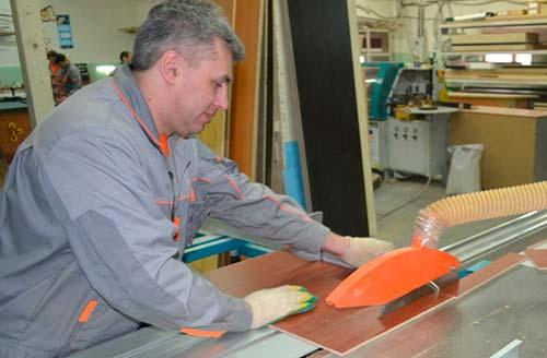 ДСП широко применяется в мебельном производстве
