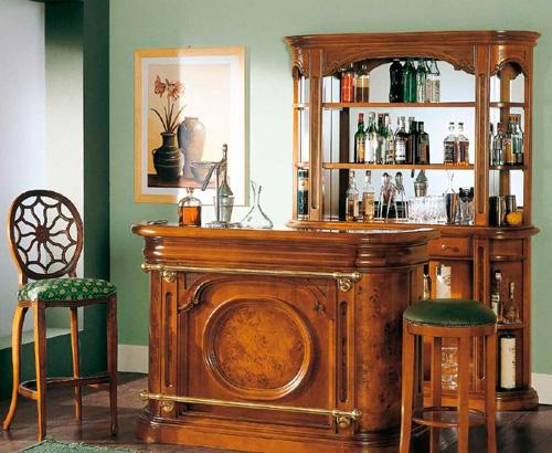 Предмет мебели, украшенный радикой, выглядит очень интересно