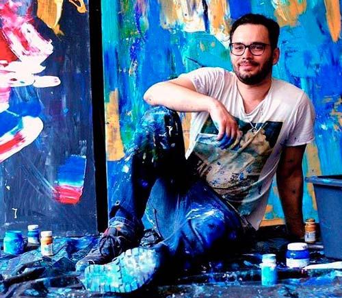 В галерее FoSSart прошла выставка Алексея Авдеева.