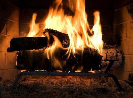 На горящий огонь можно смотреть вечно