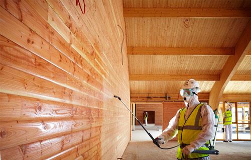Необходимо защитить деревянные поверхности от влаги