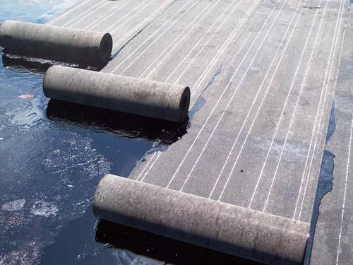 Рубероид служит для создания хорошей гидроизоляции